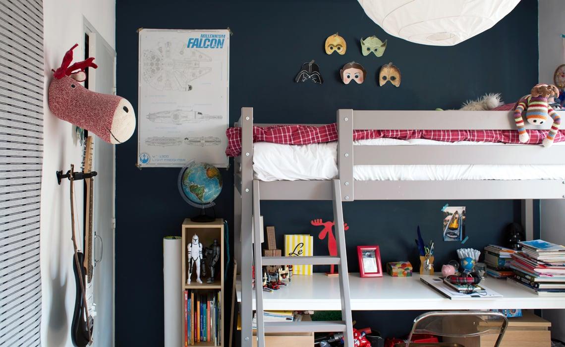 pauline neuilly inside closet. Black Bedroom Furniture Sets. Home Design Ideas
